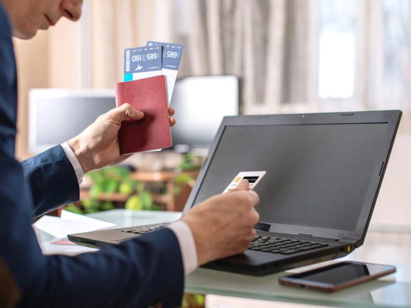 Slik opptjener du flybonus via kredittkort